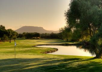 Golf Son Antem East