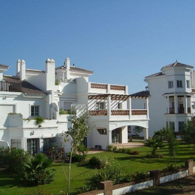 Lauro Golf Apartments ***(*)