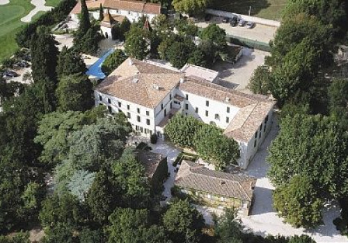 Domaine du Chateauneuf ****