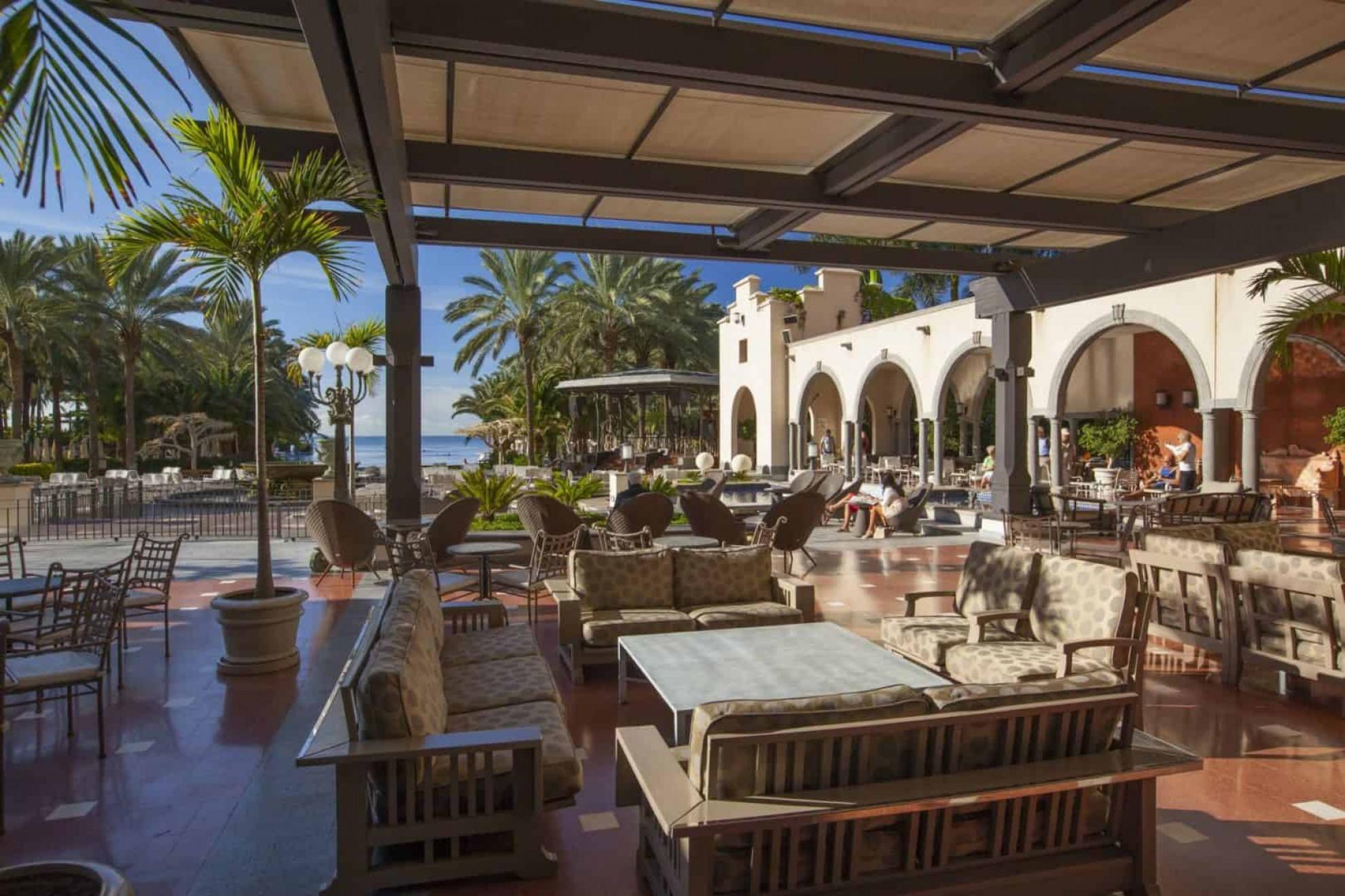 Hotel lopesan costa meloneras resort green golf for Moderne hotels kanaren